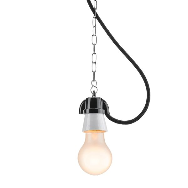 Suspension en porcelaine blanche et duroplast noir avec cable tissu noir et chaine 1,5m (100879)
